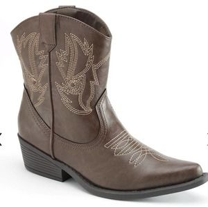 SO Women's Western Brown Ankle Pointed Toe Boots